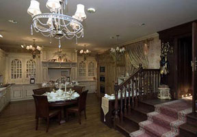 Интерьер столовой в Викторианском стиле