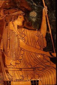 Гера на троне (керамика)